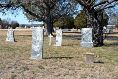 Headstones in Ross Cemetery image. Click for full size.