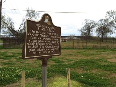 Marker in front of sugar refinery. image. Click for full size.