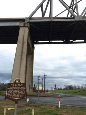 Marker with Wallace Bridge in background. image. Click for full size.