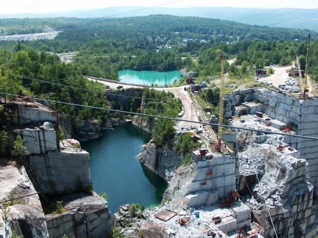 Upper E. L. Smith Quarry (<i>wide view</i>) image. Click for full size.