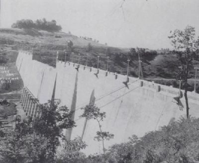 Tygart River Federal Dam image. Click for full size.