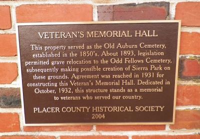 Veteran's Memorial Hall Marker image. Click for full size.