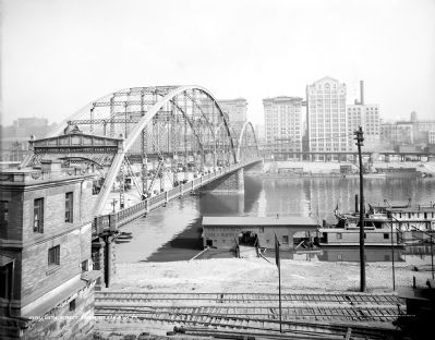 Sixth Street Bridge image. Click for full size.