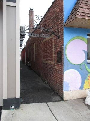 Smith Alley and Marker image. Click for full size.