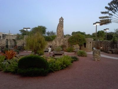 Coral Castle, View of Grounds image. Click for full size.