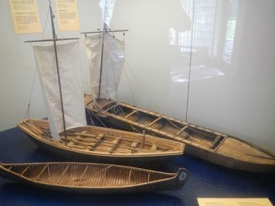 Models of boat used at Coteau-du-Lac image. Click for full size.