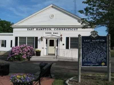 East Hampton Town Hall and Marker image. Click for full size.