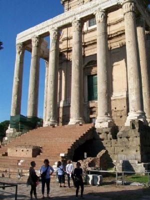 Temple of Antoninus and Faustina and Marker image. Click for full size.