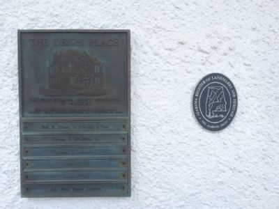 The Leigh Place Marker and Landmark plaque. image. Click for full size.