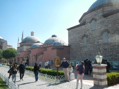 Haseki Hurrem Bathhouse image. Click for full size.