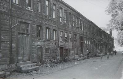 The original building before demolition. image. Click for full size.