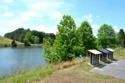 Markers Overlooking the<br>Tennessee - Tombigbee Waterway image. Click for full size.