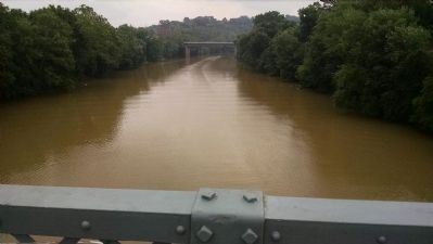 View of Kentucky River Looking East from Singing Bridge image. Click for full size.