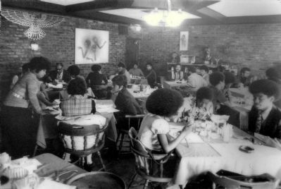 Patrons at Ed Murpy's Club, 1971 image. Click for full size.