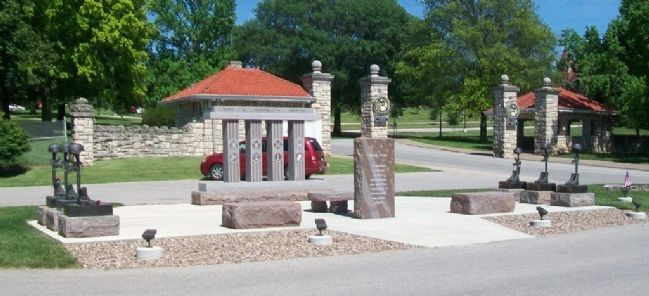 Veterans Memorial image. Click for full size.