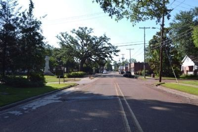 View to Southeast Along W. Main Street image. Click for full size.