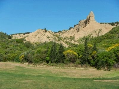"The bluffs above North Beach and the ""Sphinx"" image. Click for full size."