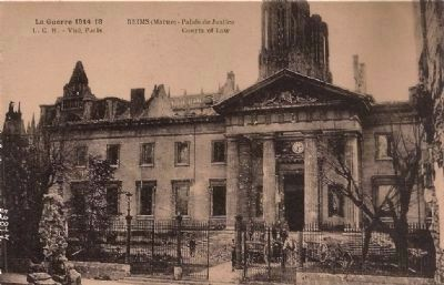 <i>Reims (Marne) - Palais de Justice / Courts of Law</i> image. Click for full size.