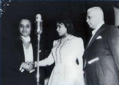 Ralph Bunche and Marian Anderson image. Click for full size.