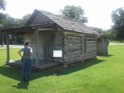 Harrell Farm Log Cabin image. Click for full size.