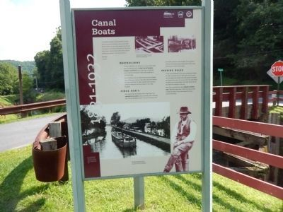 Canal Boats image. Click for full size.