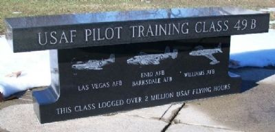 USAF Pilot Training Class 49-B Memorial Bench image. Click for full size.