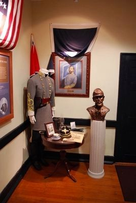 Richmond Battlefield Visitor Center- Patrick Ronayne Cleburne Bust image. Click for full size.