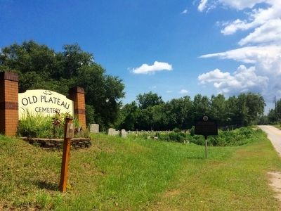 Old Plateau Cemetery image. Click for full size.