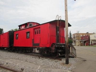 Opposite Side Caboose #303 image. Click for full size.