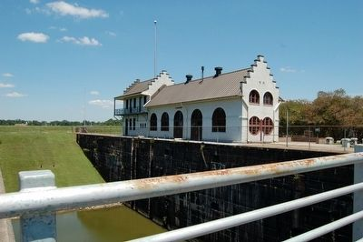 Plaquemine Lock Historical site image. Click for full size.