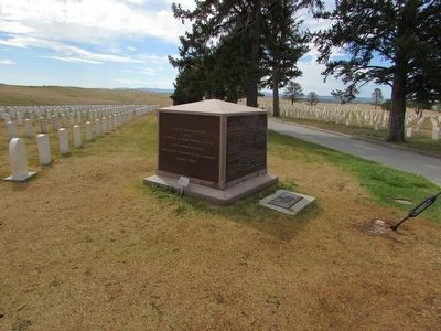 Bear Paw Monument in Custer Nat'l Cemetery image. Click for full size.