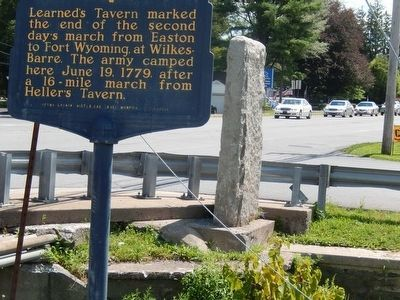 Sullivan's March Marker showing the Sullivan Expedition plaque image. Click for full size.
