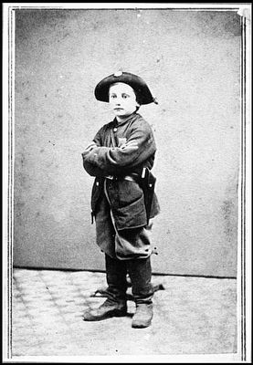[Portrait of boy soldier] image. Click for full size.