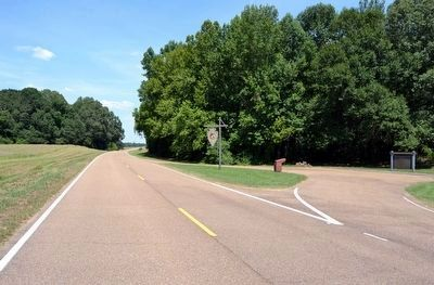 View to Northeast<br>Along the Natchez Trace Parkway image. Click for full size.