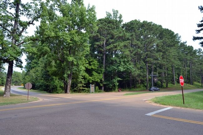 Intersection of Natchez Trace Parkway and Red Dog Road image. Click for full size.