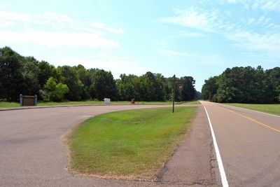 View to South from Natchez Trace Parkway image. Click for full size.