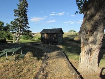 Homesteader Cabin image. Click for full size.