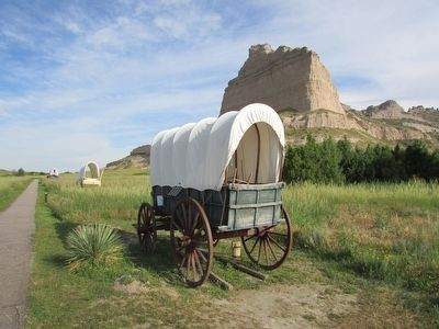 Wagons on the Oregon Trail image. Click for full size.