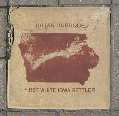 Julian Dubuque Marker image. Click for full size.