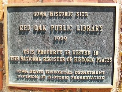 Red Oak Public Library NRHP Marker image. Click for full size.