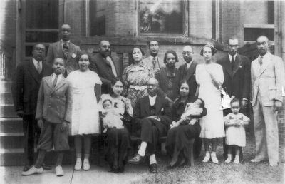 Rev. William A. Taylor & Family image. Click for full size.