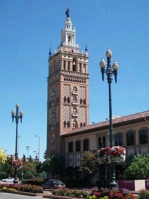 Giralda Tower image. Click for full size.