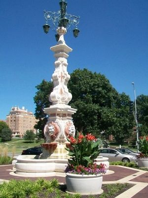 The Seville Light Fountain and Markers image. Click for full size.