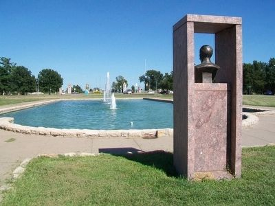 Delbert J. Haff Marker, Bust, and Fountain image. Click for full size.