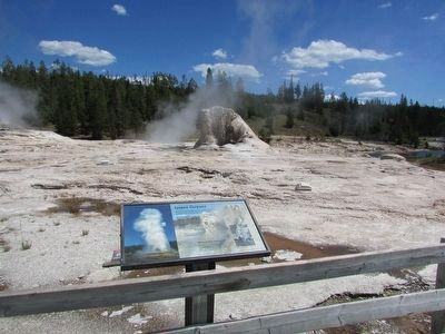 Giant Geyser Marker image. Click for full size.
