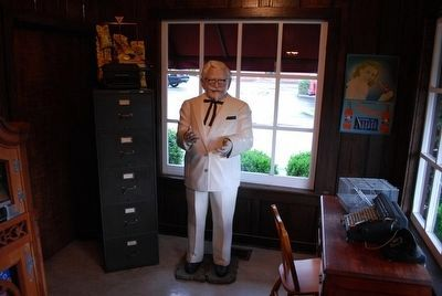 Colonel Sanders Statue inside Sanders Cafe Photo, Click for full size