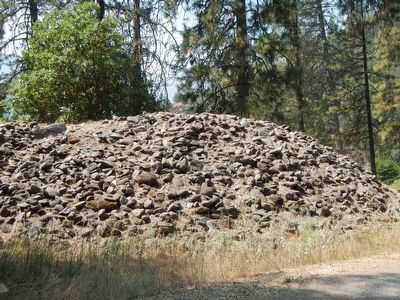 Boulder Piles in Sara Totten Campground image. Click for full size.