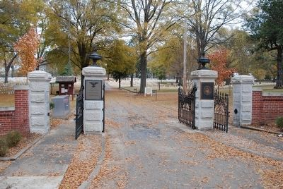 Corinth National Cemetery image. Click for full size.