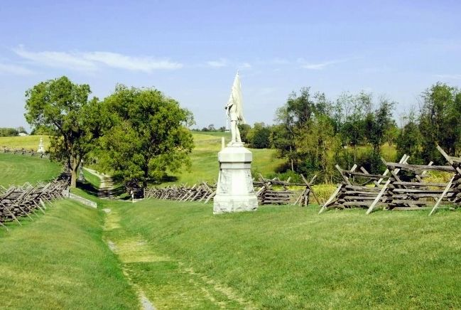 132nd Pennsylvania Volunteer Infantry Monument<br>and Bloody Lane, Looking West image. Click for full size.