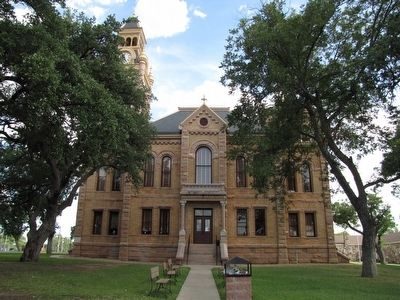 Llano County Courthouse image. Click for full size.